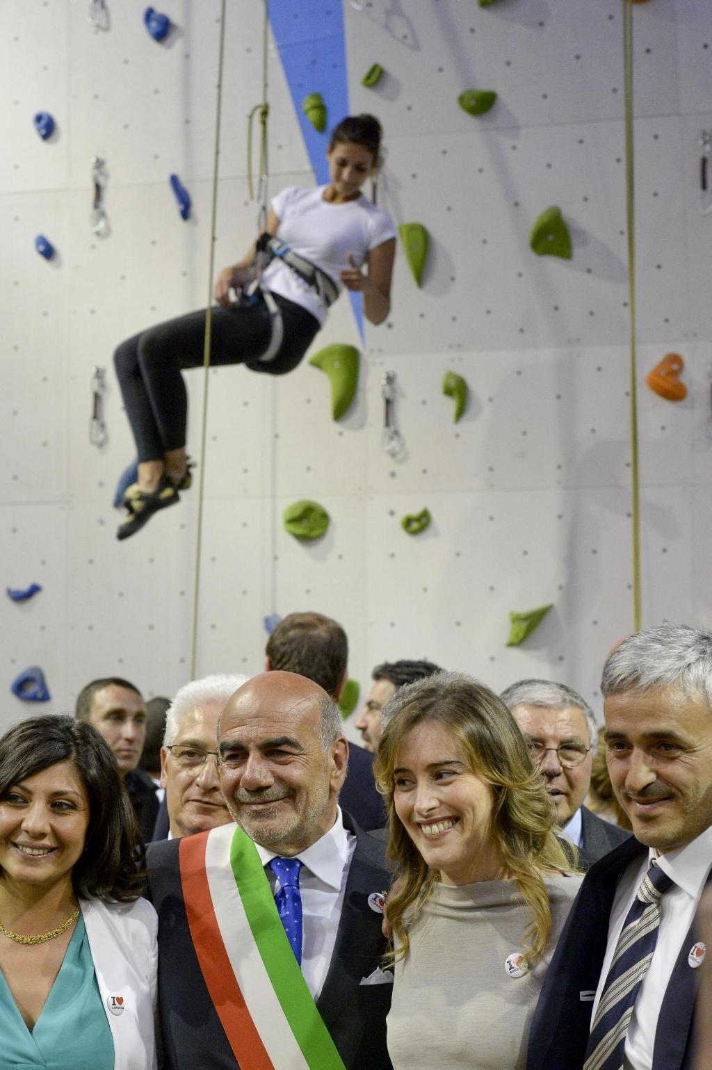 agerola indoor climbing wall maria elena boschi