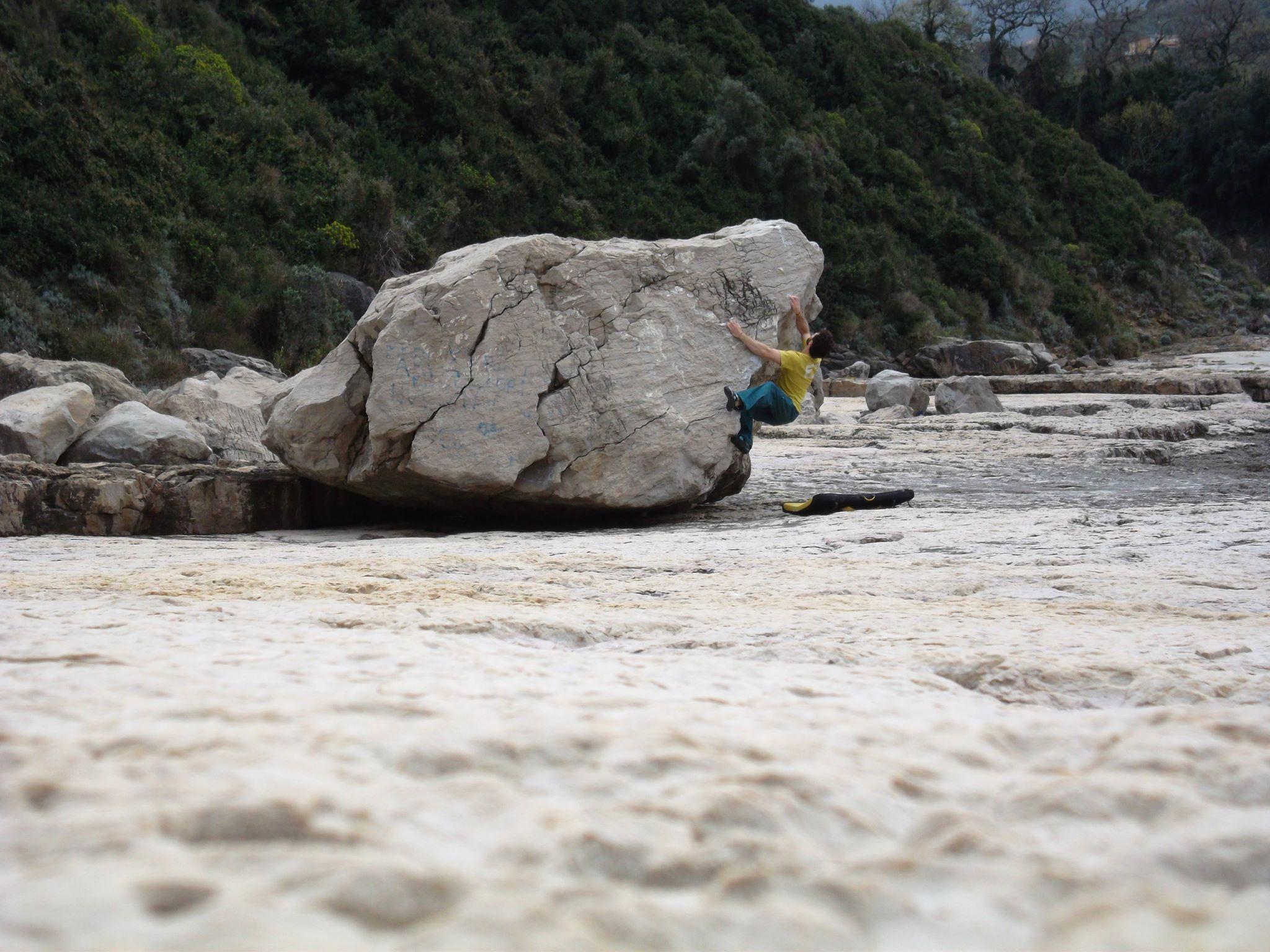 topos-bouldering-sorrento-la-solara-blocco-2